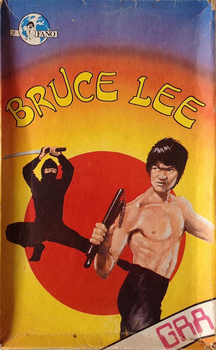 """Pudełko gry planszowej """"Bruce Lee"""" wydanej przez Wydawnictwo """"Fano"""""""